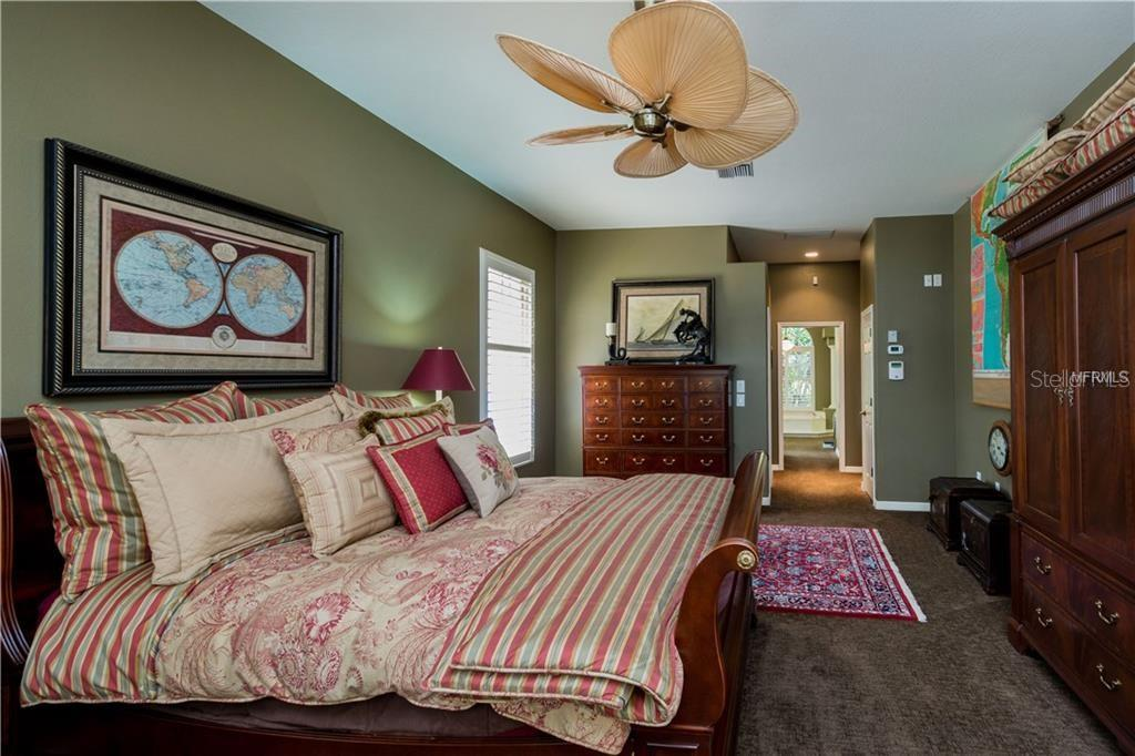 Master Bedroom - Single Family Home for sale at 422 Wincanton Pl, Venice, FL 34293 - MLS Number is D6101809