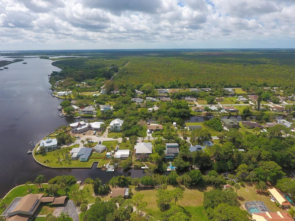 Follow the river to the Charlotte Harbor and Gulf of Mexico! - Single Family Home for sale at 9033 Allapata Ln, Venice, FL 34293 - MLS Number is D6106356