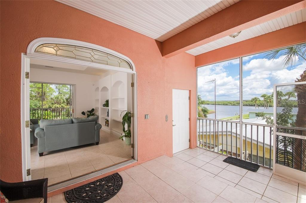 Lovely spacious paver drive to match that lovely spacious GARAGE! - Single Family Home for sale at 9033 Allapata Ln, Venice, FL 34293 - MLS Number is D6106356