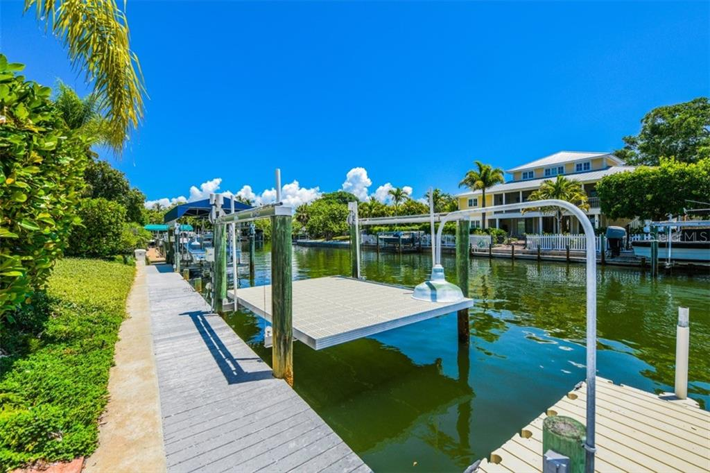 Single Family Home for sale at 130 Palm Ave, Boca Grande, FL 33921 - MLS Number is D6107272