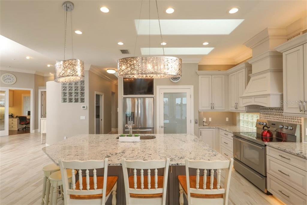 Breakfast Bar - Single Family Home for sale at 1636 New Point Comfort Rd, Englewood, FL 34223 - MLS Number is D6108467