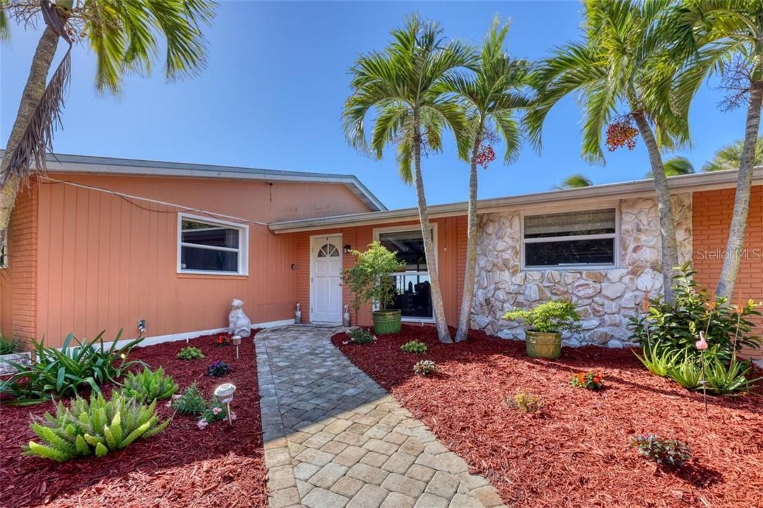 Single Family Home for sale at 6540 Manasota Key Rd, Englewood, FL 34223 - MLS Number is D6115567