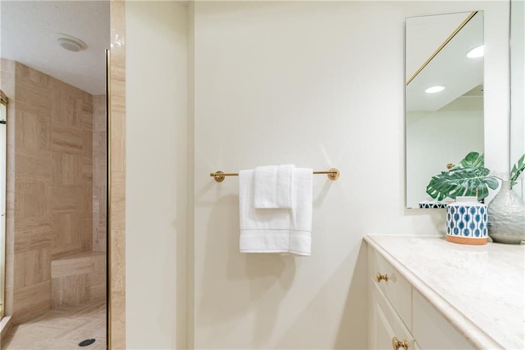 MASTER BATH - Condo for sale at 1281 Gulf Of Mexico Dr #304, Longboat Key, FL 34228 - MLS Number is T3121789