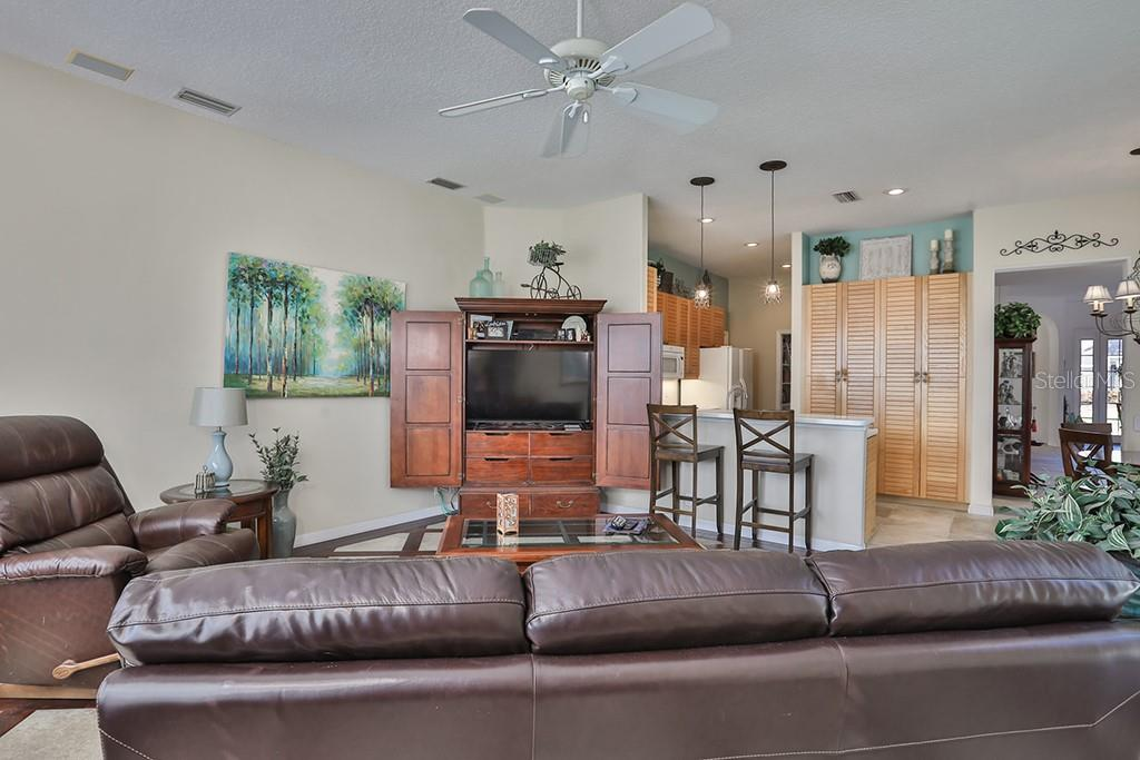 Single Family Home for sale at 4604 Blue Marlin Dr, Bradenton, FL 34208 - MLS Number is T3150546