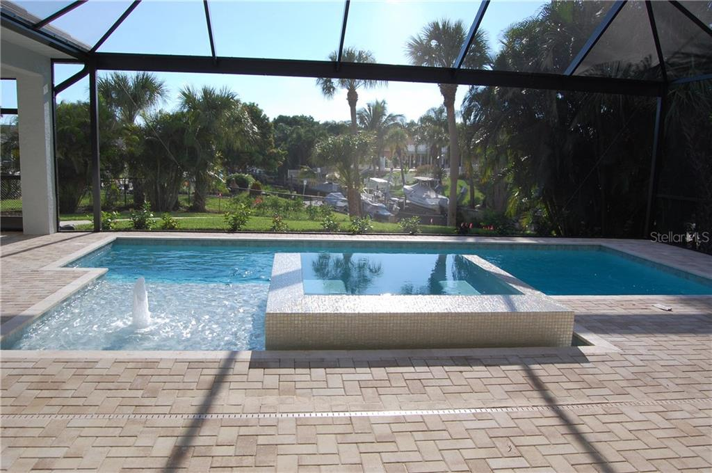 POOL AND HOTTUB - Single Family Home for sale at 6030 Hollywood Blvd, Sarasota, FL 34231 - MLS Number is C7235083