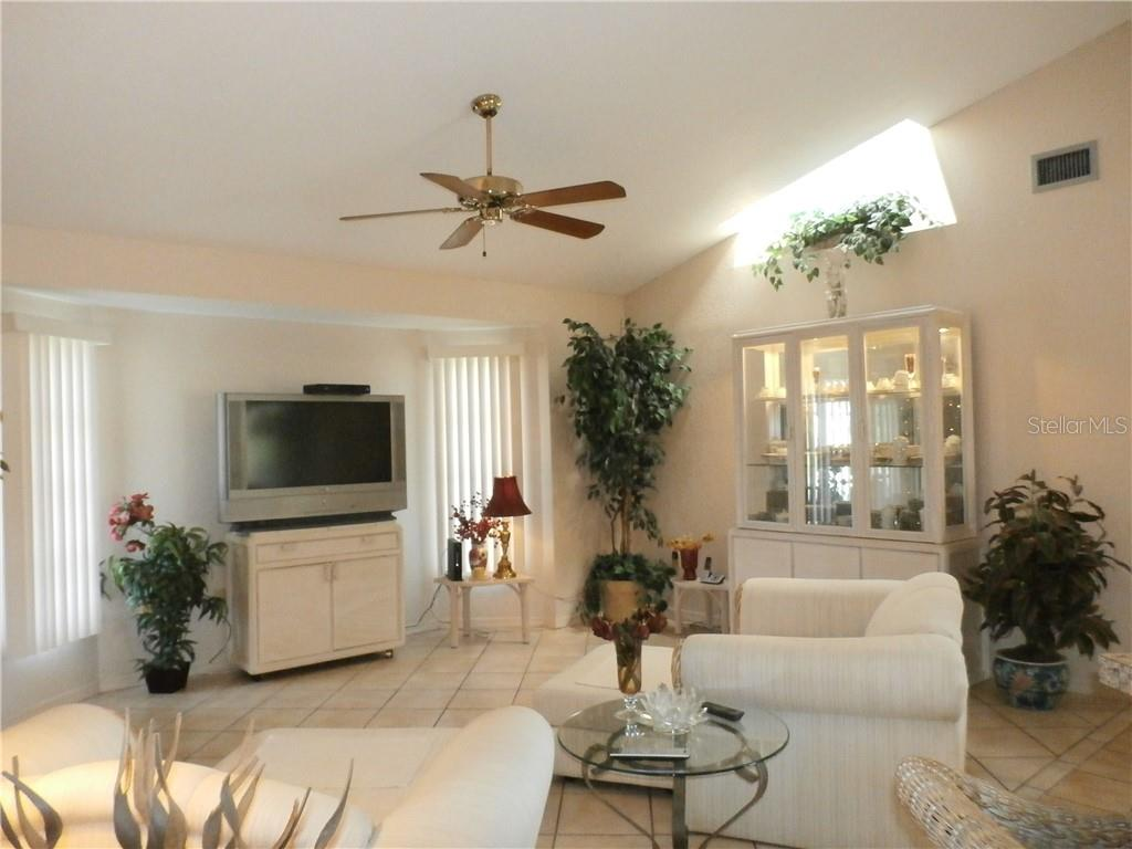 Family room - Single Family Home for sale at 416 Bahia Grande Ave, Punta Gorda, FL 33983 - MLS Number is C7408301