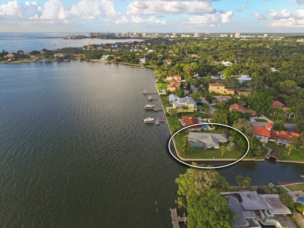 1502 Sandpiper Ln, Sarasota, FL 34239 - photo 7 of 15
