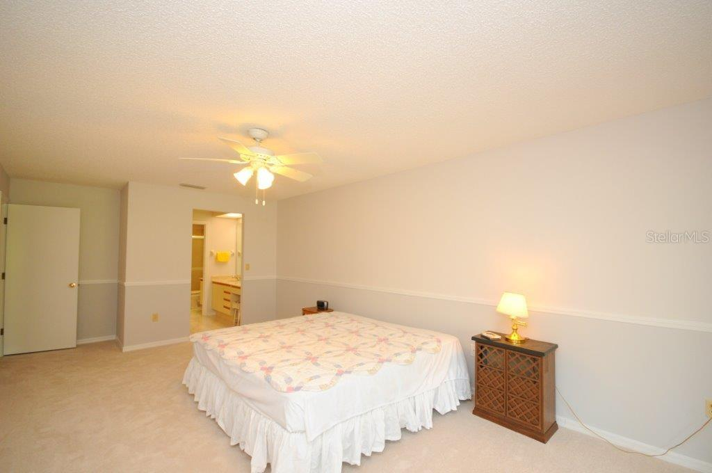 Master bedroom - Villa for sale at 5510 Chanteclaire #46, Sarasota, FL 34235 - MLS Number is A4156527