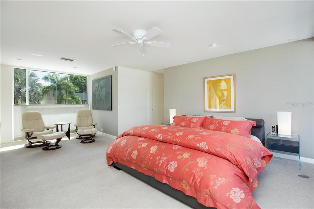 175 Morningside Dr, Sarasota, FL 34236 - photo 17 of 25