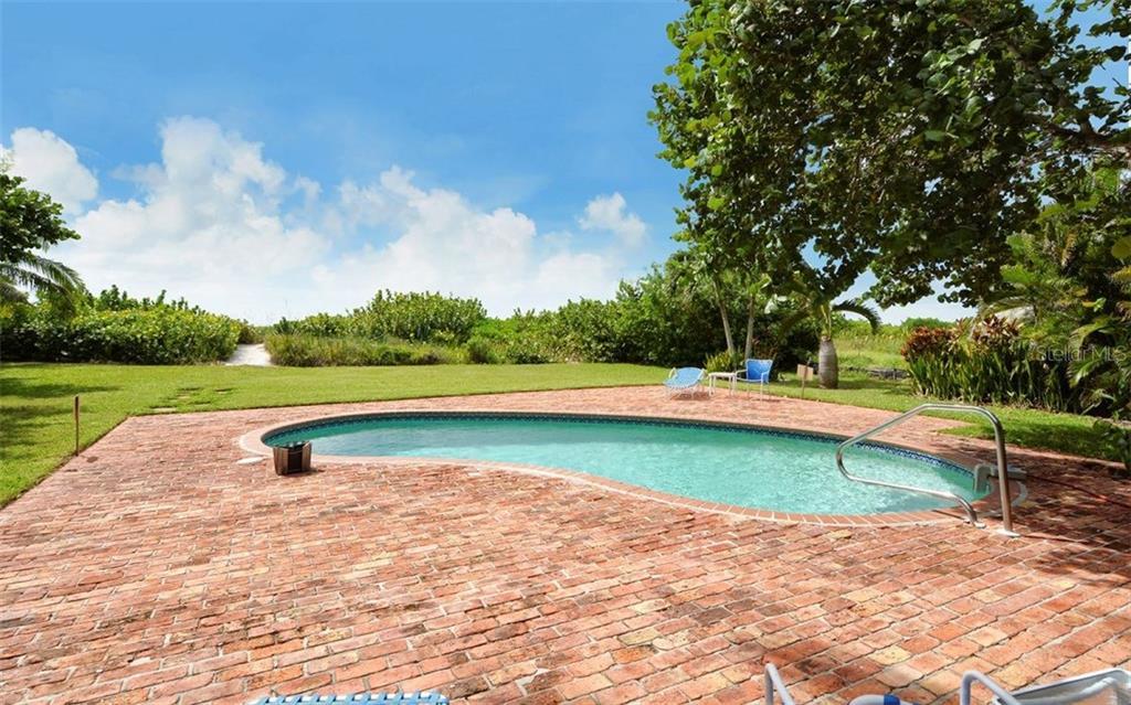 6101 Gulf Of Mexico Dr, Longboat Key, FL 34228 - photo 17 of 25