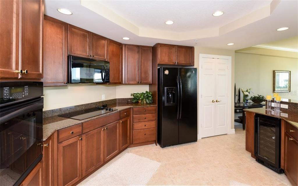 Oaks Property Owner Dues and Fees - Condo for sale at 3621 N Point Rd #602, Osprey, FL 34229 - MLS Number is A4169779