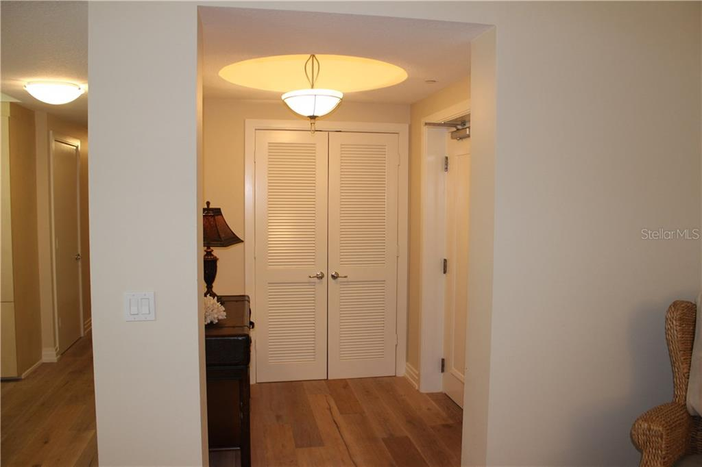 Foyer - Condo for sale at 6512 Midnight Pass Rd #406, Sarasota, FL 34242 - MLS Number is A4171720