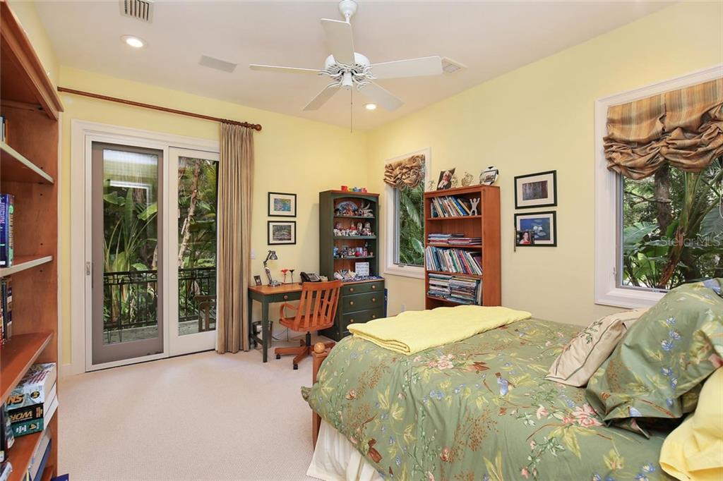 Single Family Home for sale at 5315 Hidden Harbor Rd, Sarasota, FL 34242 - MLS Number is A4181101