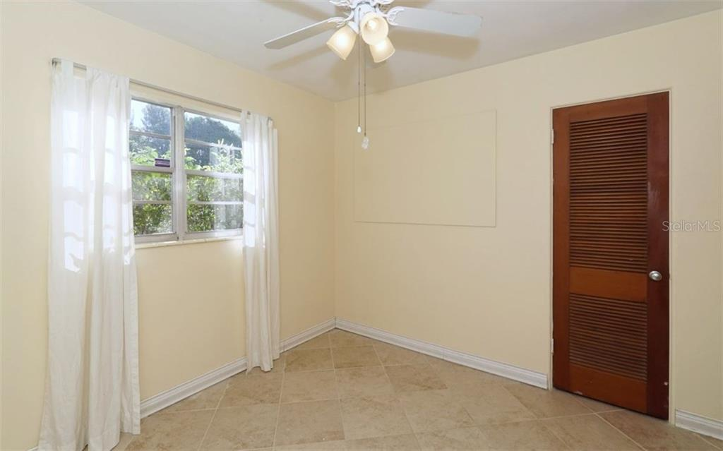 Single Family Home for sale at 3902 10th Avenue Dr W, Bradenton, FL 34205 - MLS Number is A4182294