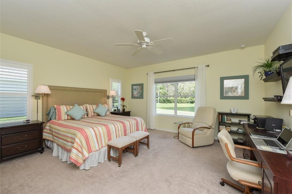Single Family Home for sale at 12233 Whisper Lake Dr, Bradenton, FL 34211 - MLS Number is A4182739