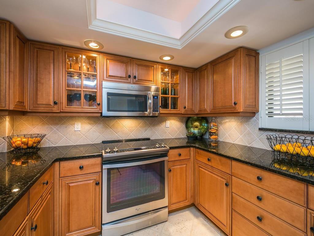Kitchen - Condo for sale at 4708 Ocean Blvd #e8, Sarasota, FL 34242 - MLS Number is A4184028