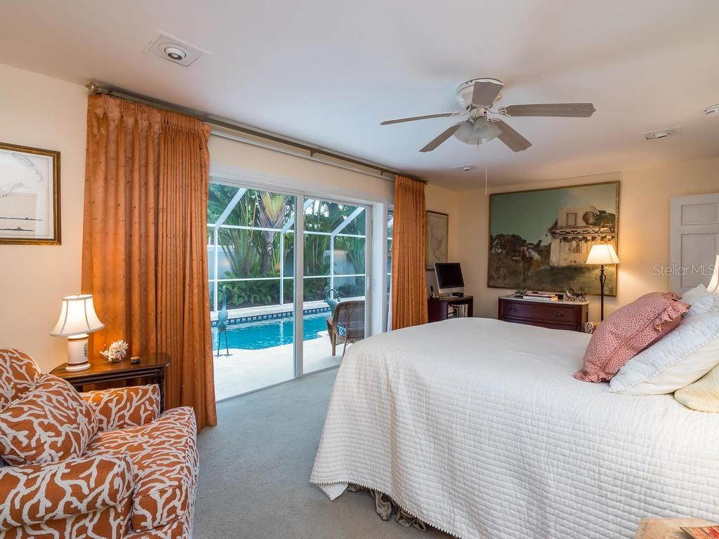 2nd master suite - Single Family Home for sale at 319 Bob White Way, Sarasota, FL 34236 - MLS Number is A4184394