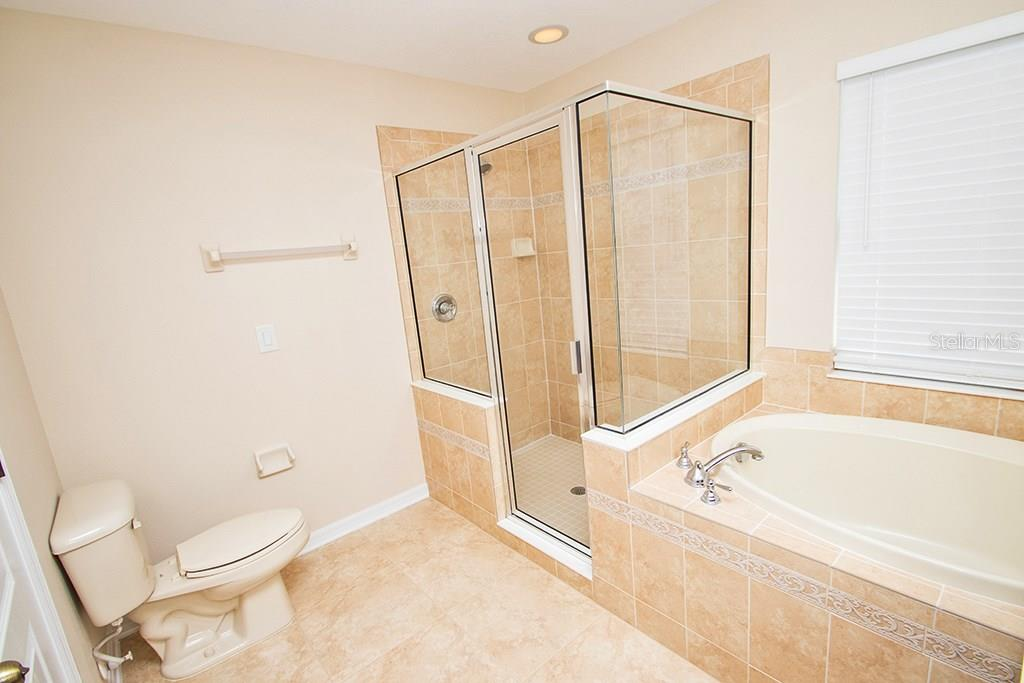 Master bath - Single Family Home for sale at 10212 37th Ct E, Parrish, FL 34219 - MLS Number is A4188756
