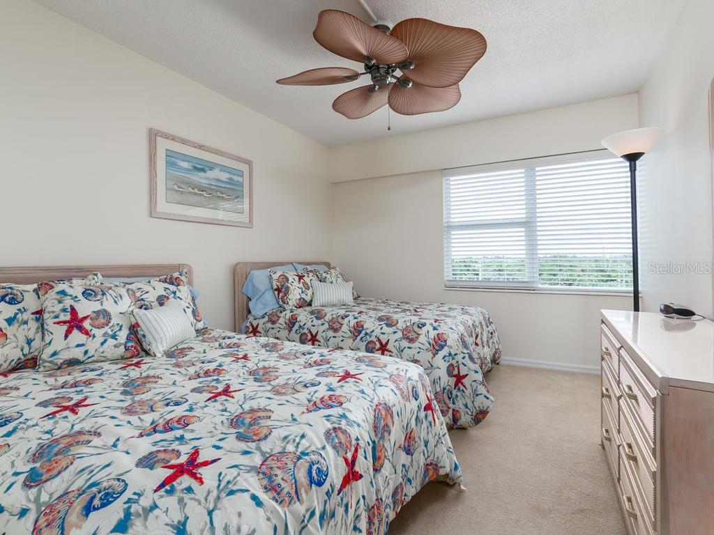 Guest Bedroom with city view - Condo for sale at 1750 Benjamin Franklin Dr #5g, Sarasota, FL 34236 - MLS Number is A4192160