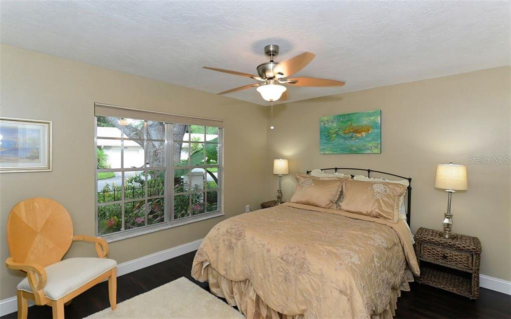 Ample guest space - Villa for sale at 4248 Oakhurst Cir E #3066, Sarasota, FL 34233 - MLS Number is A4192258