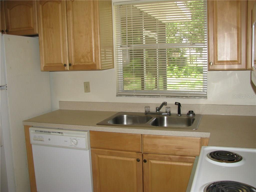 Kitchen - Single Family Home for sale at 2112 Fairfield Ave, Sarasota, FL 34232 - MLS Number is A4194469