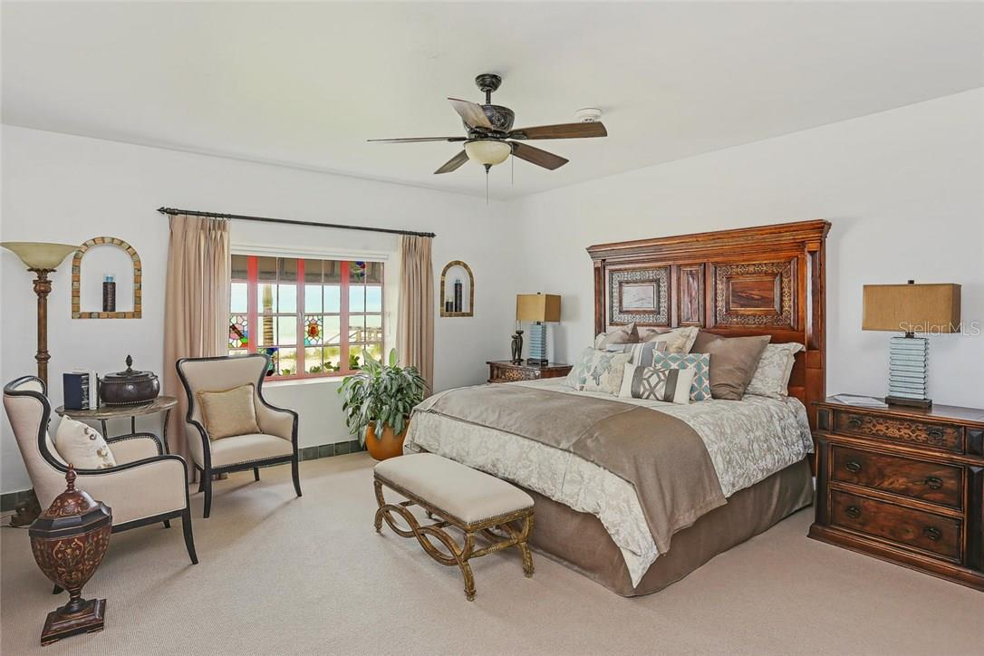Delightful guest suite to accommodate family or friends in the Aria Resident's Club. - Condo for sale at 2251 Gulf Of Mexico #504, Longboat Key, FL 34228 - MLS Number is A4197085