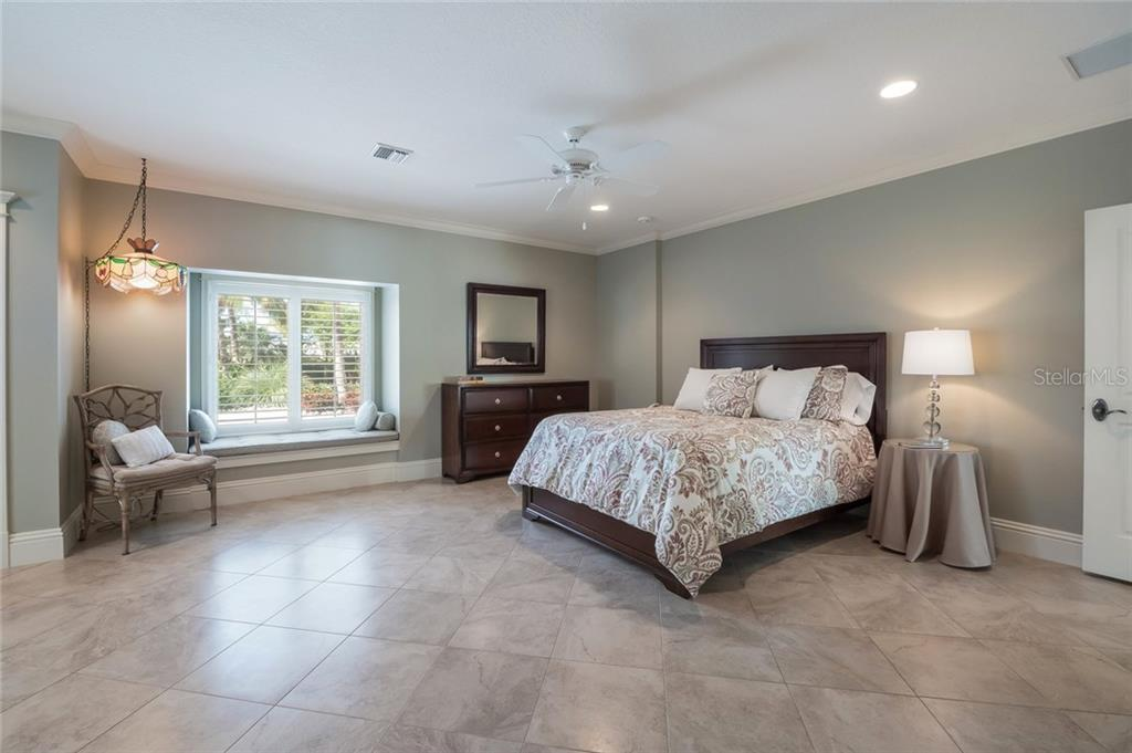 Guest Suite With Private Entrance - Single Family Home for sale at 420 N Casey Key Rd, Osprey, FL 34229 - MLS Number is A4198418