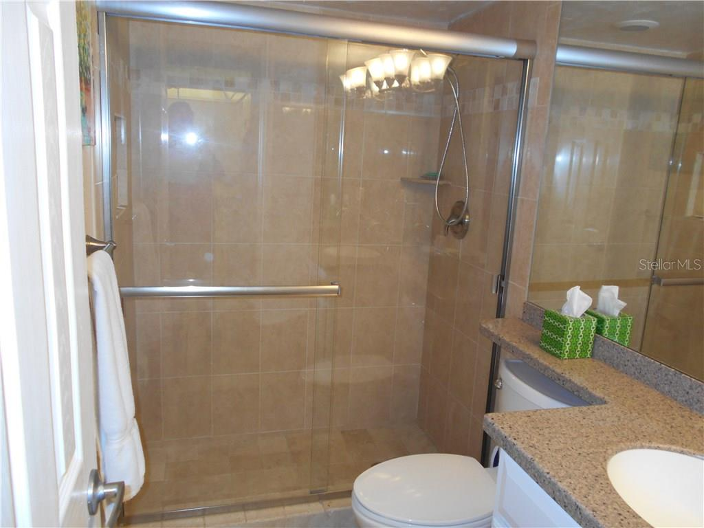 Master bathroom - Condo for sale at 5661 Midnight Pass Rd #403, Sarasota, FL 34242 - MLS Number is A4198451