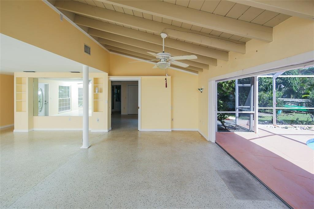 Single Family Home for sale at 529 69th St, Holmes Beach, FL 34217 - MLS Number is A4198504