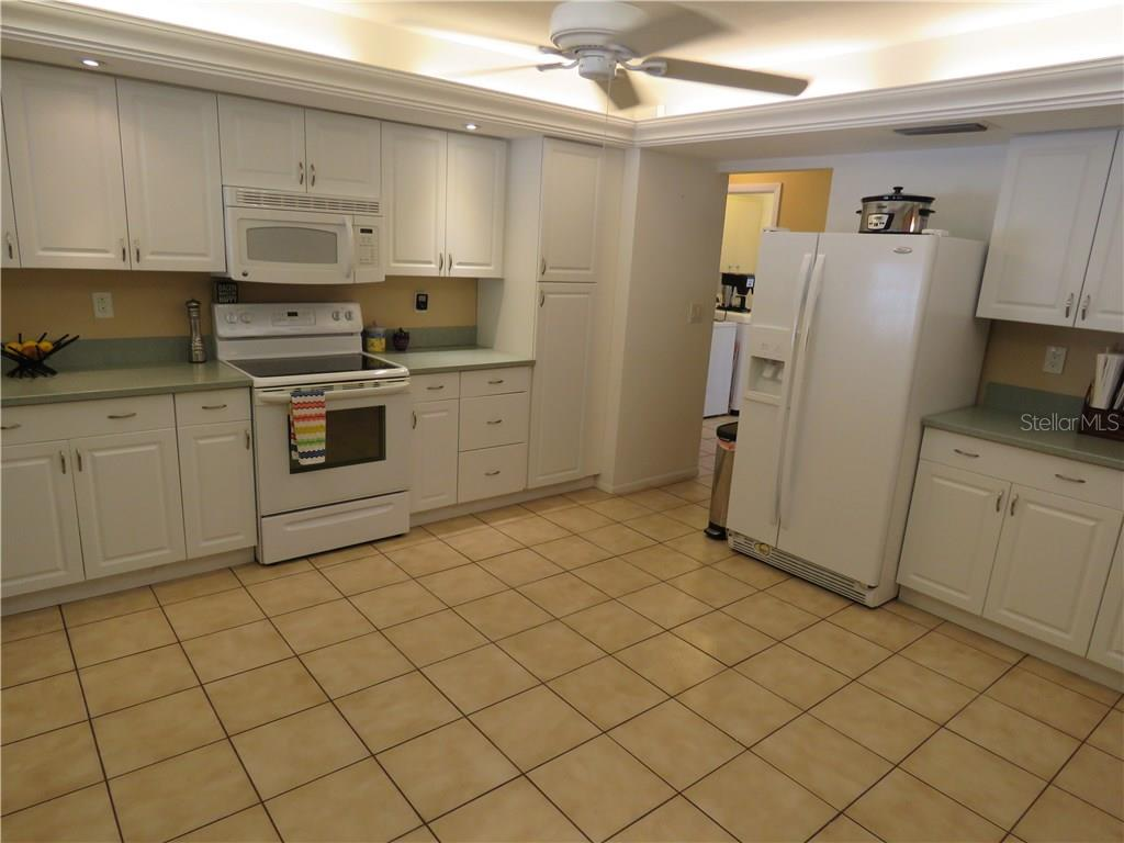 Another view of the kitchen. - Single Family Home for sale at 829 Harbor Dr S, Venice, FL 34285 - MLS Number is A4198898