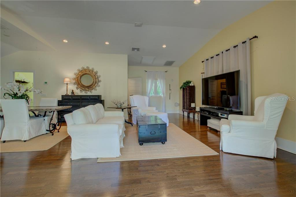 Guest house features spacious entertainment area for multi use options - Single Family Home for sale at 76 S Washington Dr, Sarasota, FL 34236 - MLS Number is A4200630