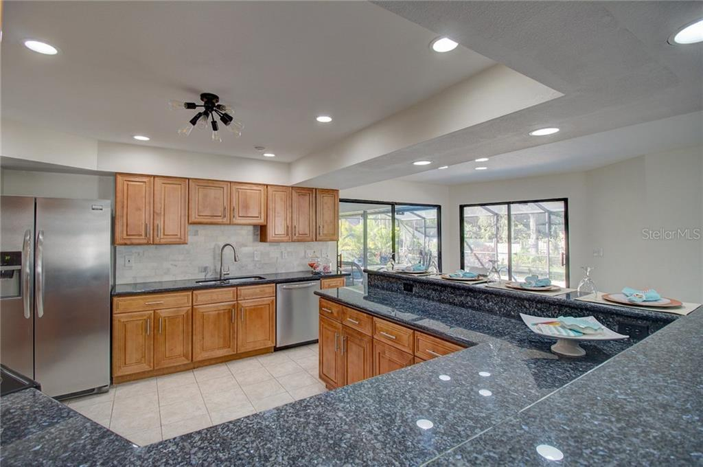 Kitchen - Single Family Home for sale at 1087 Hoover Cir, Nokomis, FL 34275 - MLS Number is A4201722