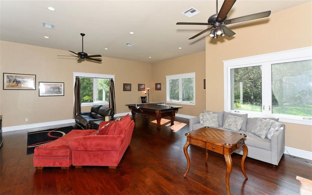 Single Family Home for sale at 5210 Saddle Oak Trl, Sarasota, FL 34241 - MLS Number is A4204367