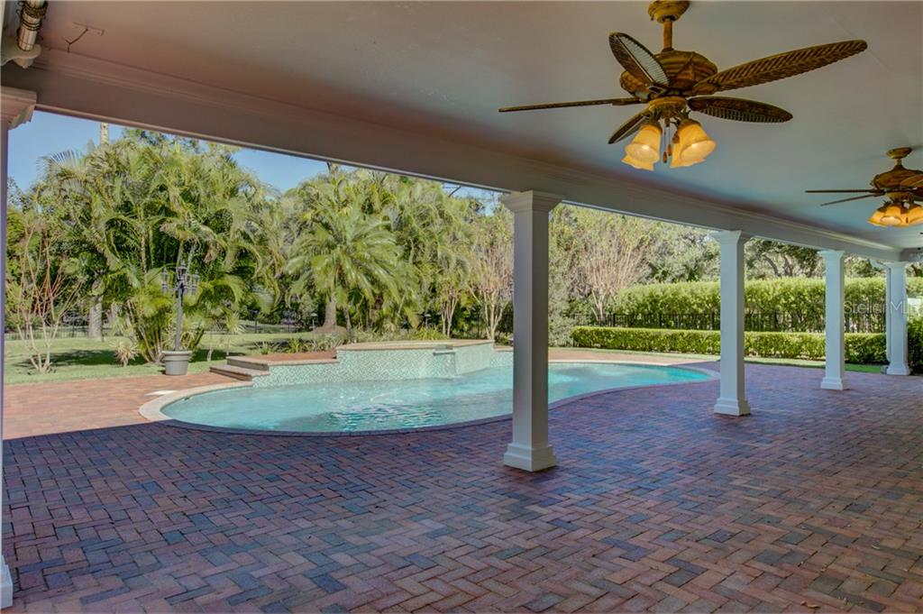 Single Family Home for sale at 4993 Hubner Cir, Sarasota, FL 34241 - MLS Number is A4204587
