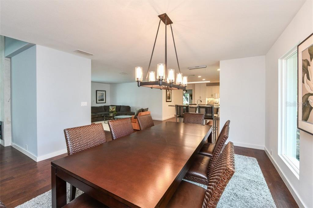 Formal dining - Single Family Home for sale at 460 Pheasant Dr, Sarasota, FL 34236 - MLS Number is A4208025