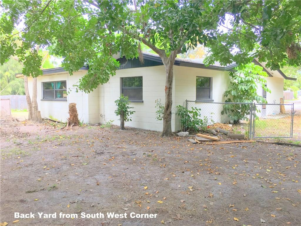 Single Family Home for sale at 5608 16th St W, Bradenton, FL 34207 - MLS Number is A4212146