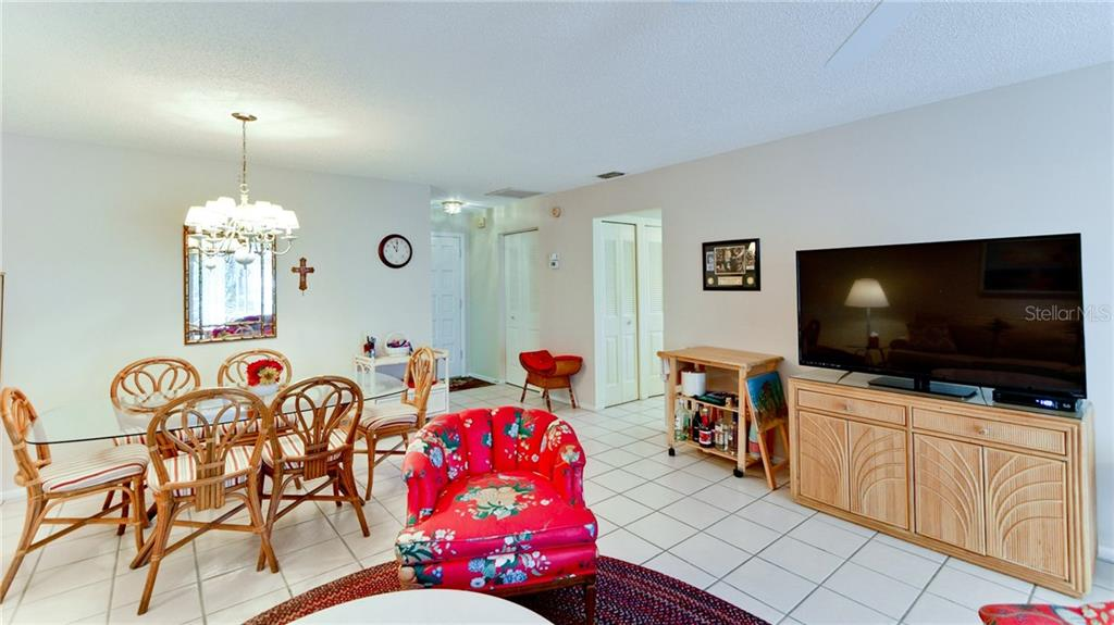 Condo for sale at 5107 29th St W #n/A, Bradenton, FL 34207 - MLS Number is A4213034