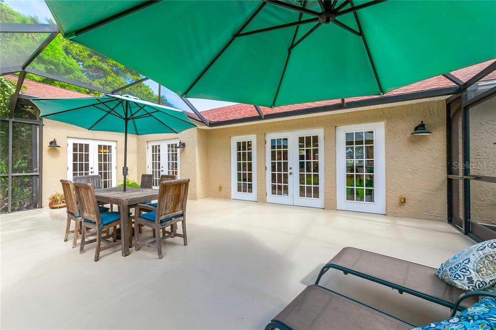 Single Family Home for sale at 7452 Broughton St, Sarasota, FL 34243 - MLS Number is A4213236