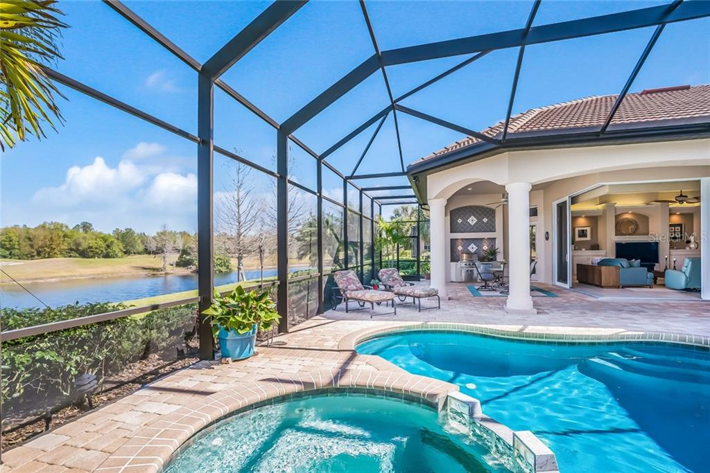Single Family Home for sale at 7119 Beechmont Ter, Lakewood Ranch, FL 34202 - MLS Number is A4213378
