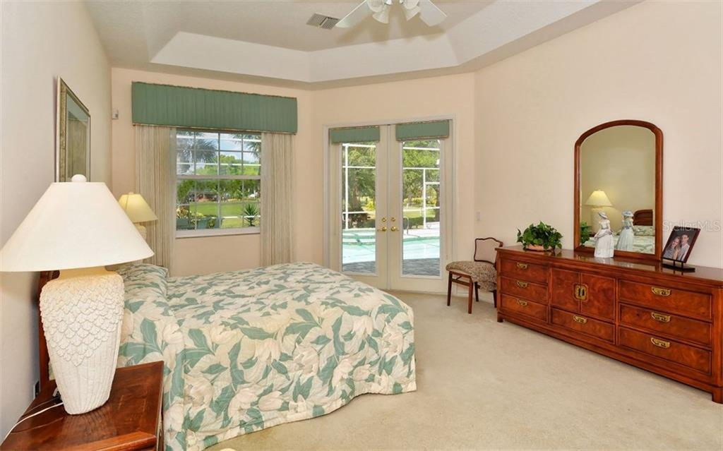 Master bedroom - Single Family Home for sale at 402 Trenwick Ln, Venice, FL 34293 - MLS Number is A4214615