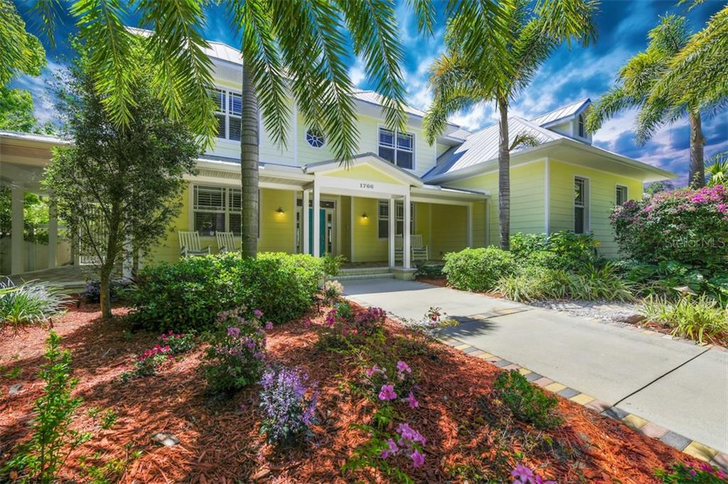 Single Family Home for sale at 1766 Cherokee Dr, Sarasota, FL 34239 - MLS Number is A4400311