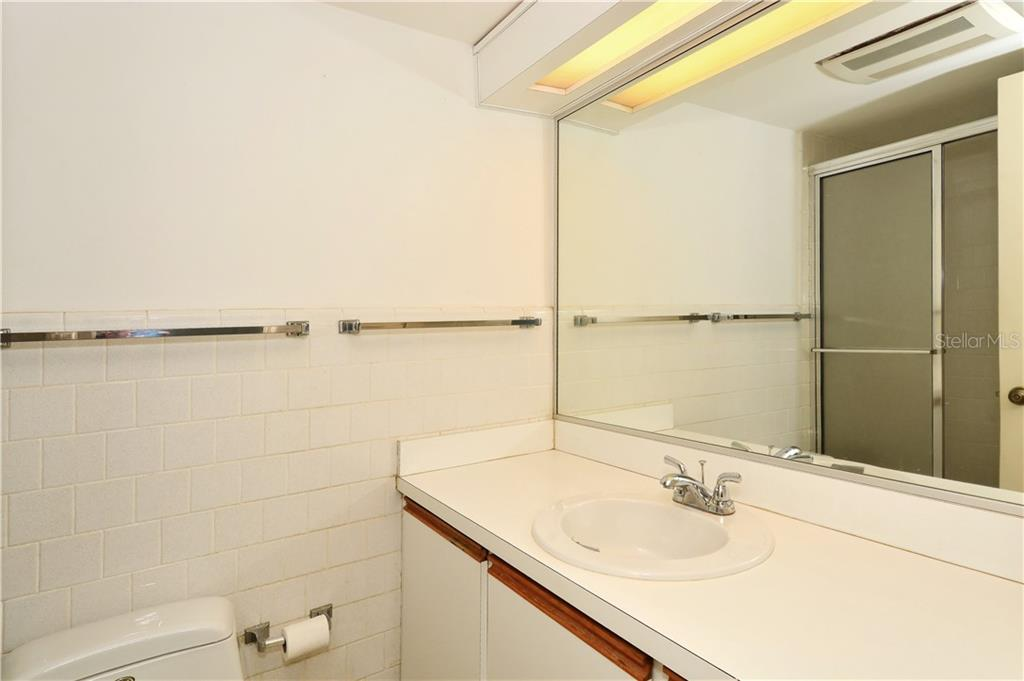 Guest bathroom - Condo for sale at 500 S Washington Dr #3b, Sarasota, FL 34236 - MLS Number is A4403390