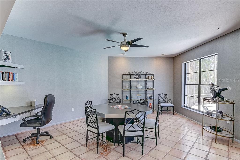 Casual Dining Area - Single Family Home for sale at 3911 Spyglass Hill Rd, Sarasota, FL 34238 - MLS Number is A4404657