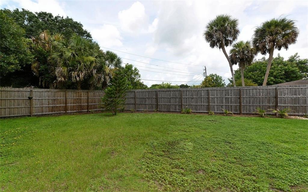 Single Family Home for sale at 2820 Suncrest Dr, Sarasota, FL 34239 - MLS Number is A4408939