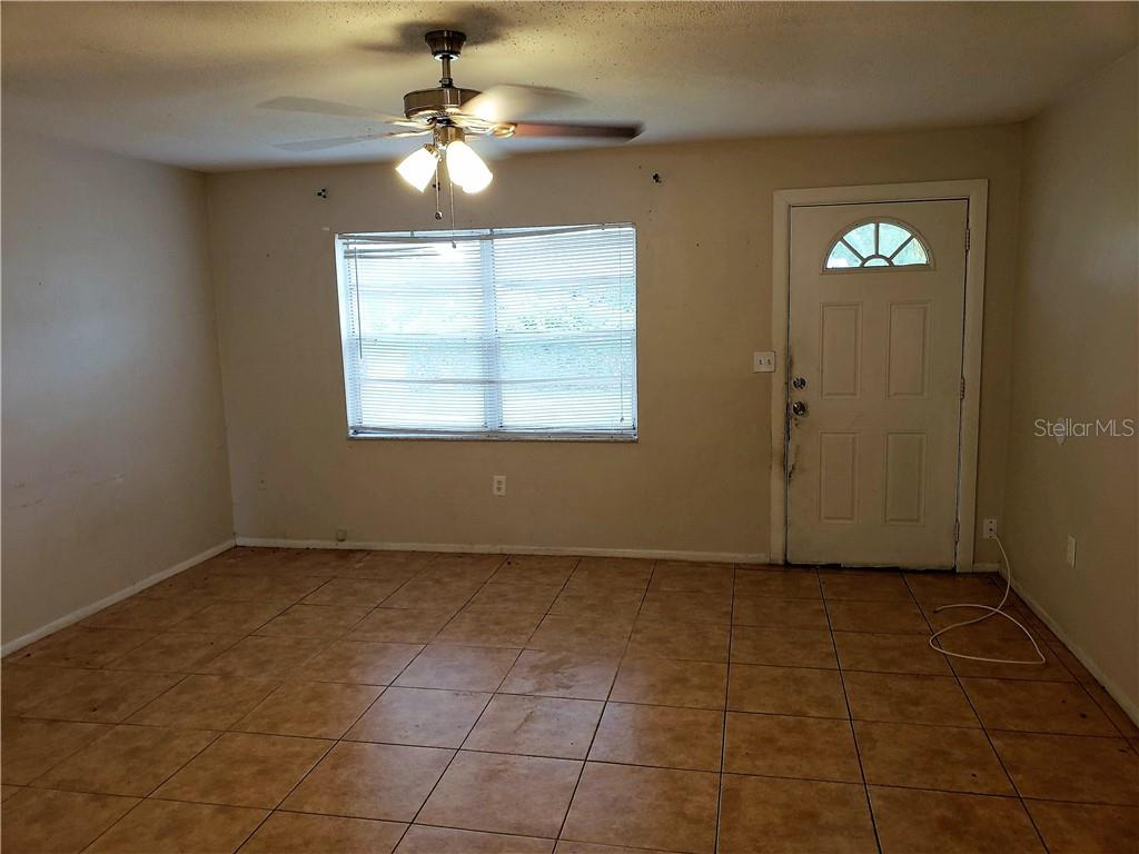 Single Family Home for sale at 3009 Newtown Blvd, Sarasota, FL 34234 - MLS Number is A4409788