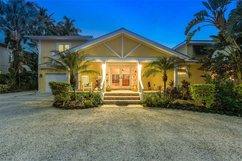 Enchanting day or night. - Single Family Home for sale at 417 Bayview Pkwy, Nokomis, FL 34275 - MLS Number is A4411087