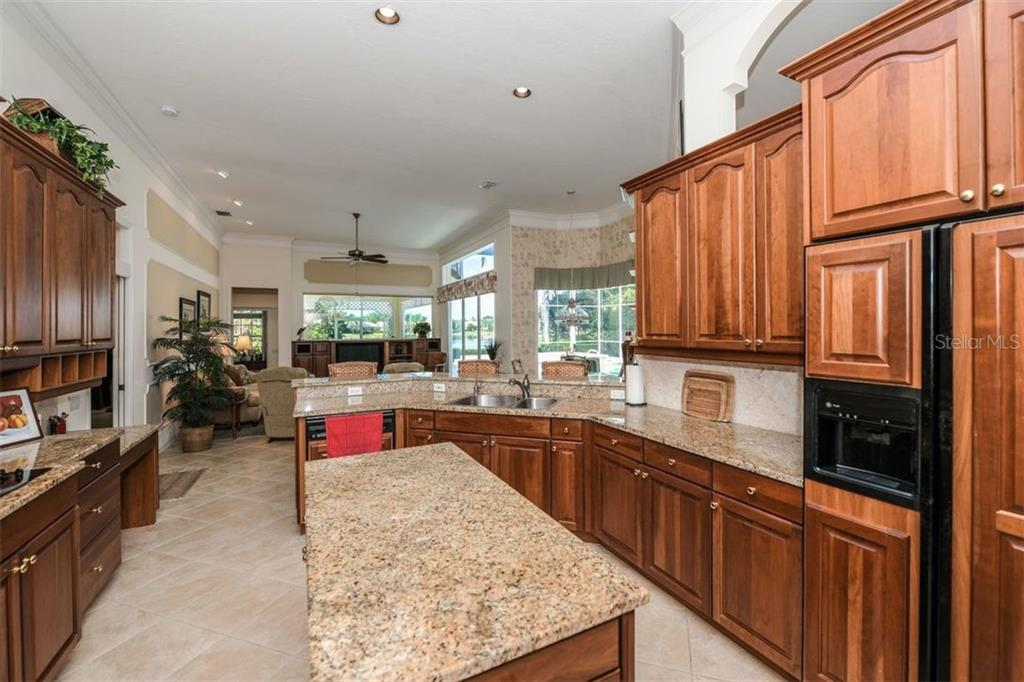 Single Family Home for sale at 8180 Collingwood Ct, University Park, FL 34201 - MLS Number is A4411521