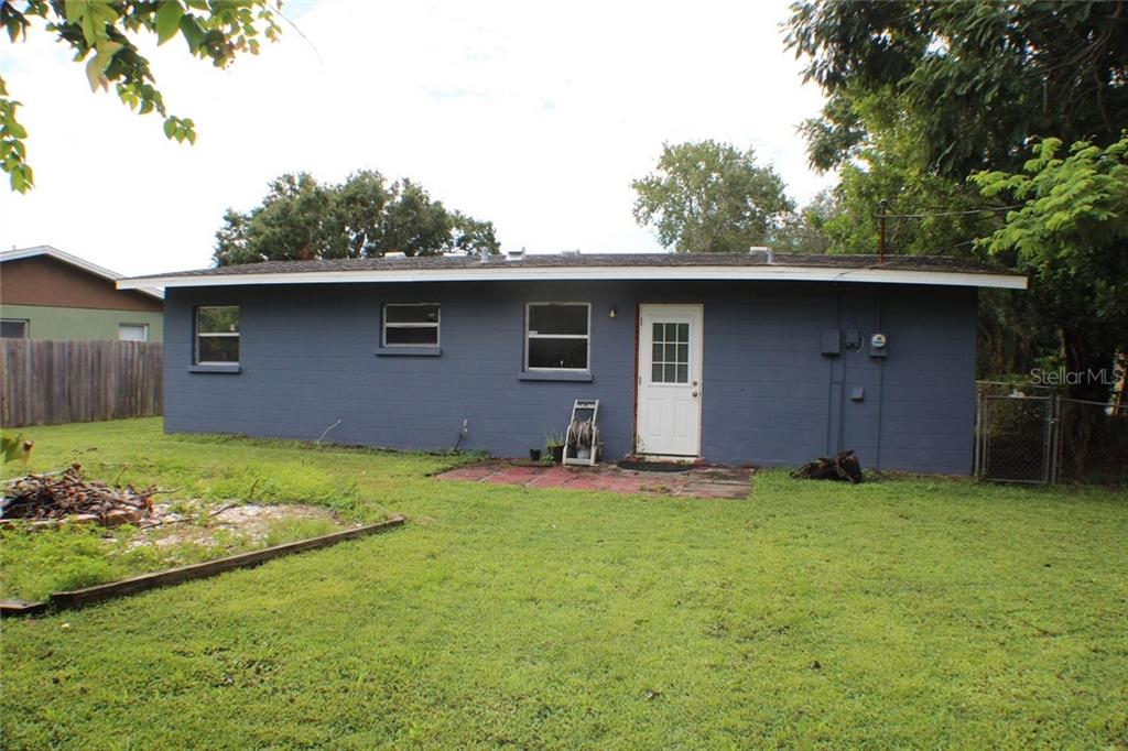 Single Family Home for sale at 146 Alpine Cir, Bradenton, FL 34208 - MLS Number is A4412144