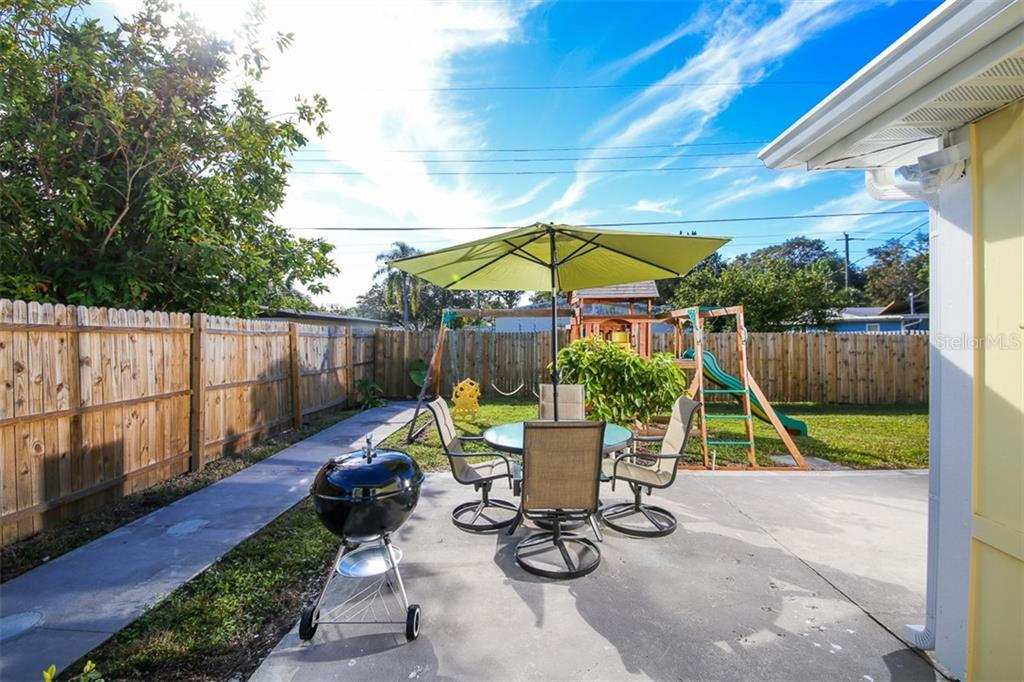 Single Family Home for sale at 2364 Temple St, Sarasota, FL 34239 - MLS Number is A4412717