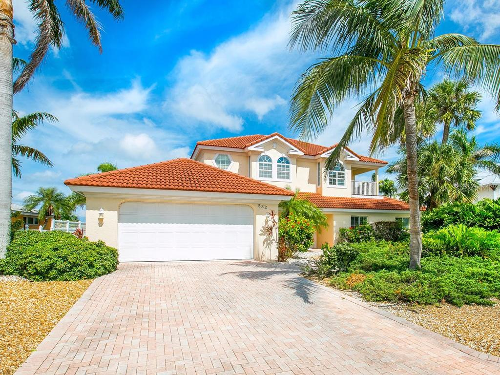 Single Family Home for sale at 532 70th St, Holmes Beach, FL 34217 - MLS Number is A4412794